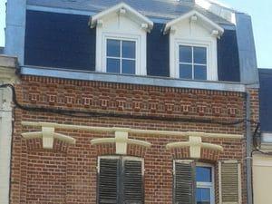 Après-les-travaux-de-ravalement-de-façade-et-de-rénovation-de-la-toiture-de-la-maison-de-Amiens 300-225