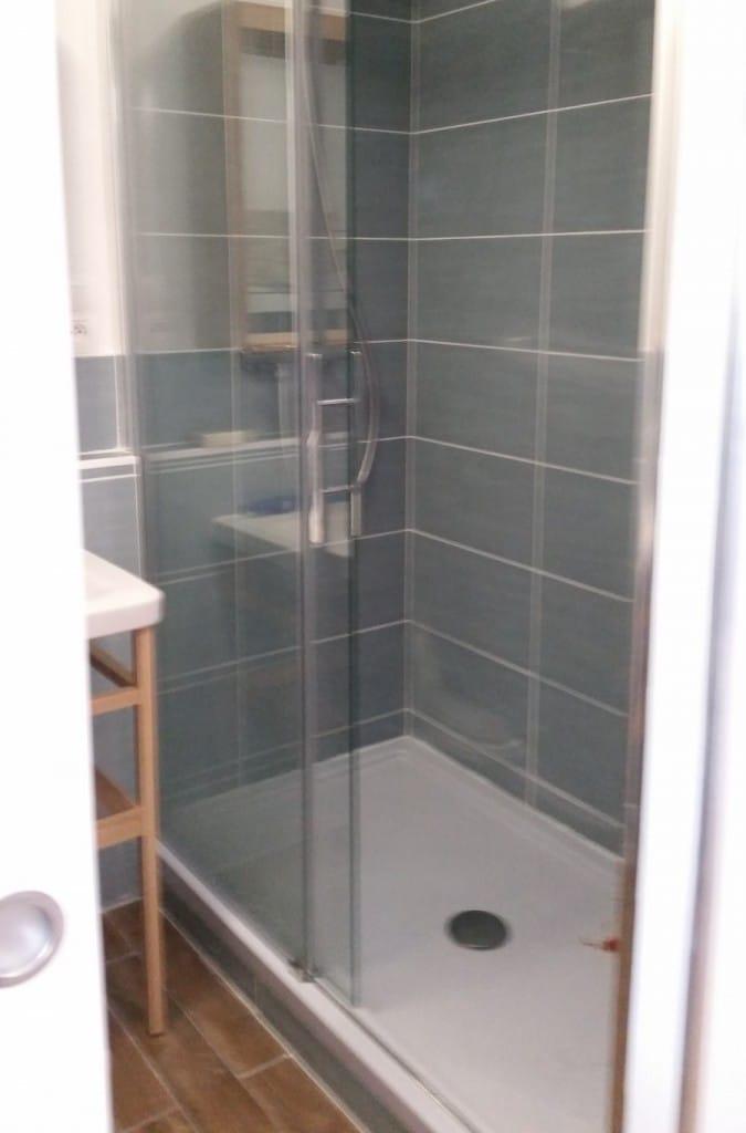 salle de bains après travaux de rénovation à Amiens1 675x1024